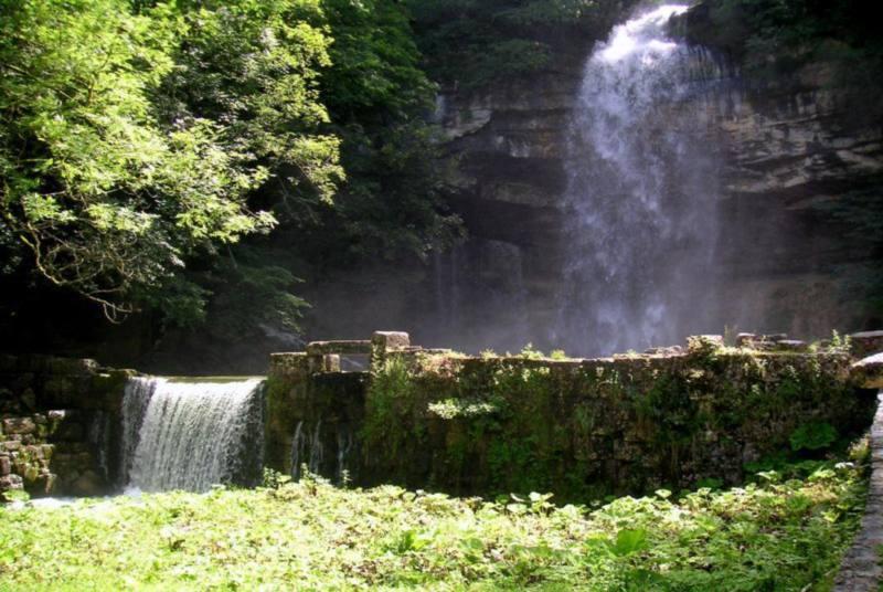 visite jura cascade